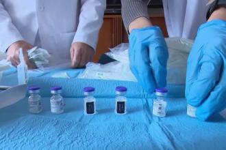 Administraţia Biden promite 100 de milioane de vaccinări în următoarele 100 de zile. Avertismentul oficialilor americani