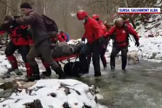 Intervenție dificilă a salvamontiștilor în Munții Apuseni, după ce un turist a suferit o entorsă