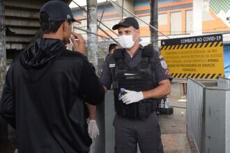 O petrecere la care participau peste 1.000 de persoane, oprită de polițiști în Brazilia