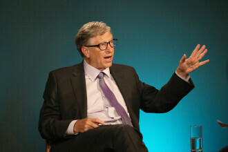"""Bill Gates cere țărilor bogate să consume carne artificială. """"Te obișnuiești cu gustul"""""""