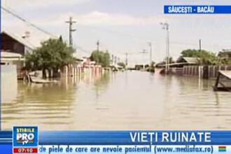 Mii de oameni din Moldova se întorc cu inima strânsă în satele înecate