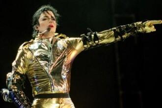 Cizmele lui Michael Jackson s-au vandut cu 10.000 de euro!