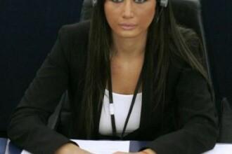 Primele poze cu Elena Basescu in Parlamentul European!
