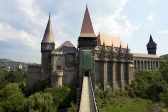Seara magica la Castelul Corvinilor. A inceput singurul festival de opera in aer liber, din Romania