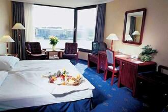 O camera de hotel, peste 80 de euro in Bucuresti. Lisabona e mai ieftina
