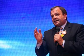 Flutur: Emil Boc este solutia optima pentru functia de prim-ministru