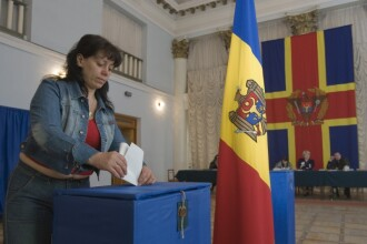 Comunistii au pierdut monopolul puterii la Chisinau