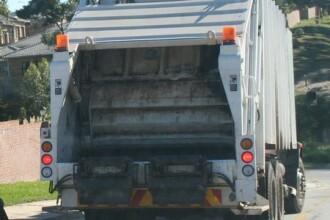 Prada mirositoare: a furat camionul de gunoi.N-a vrut sa se predea politiei