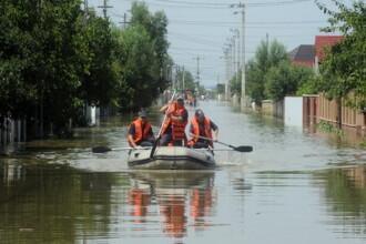 Umflat de ploi, Prutul face prapad si in Republica Moldova