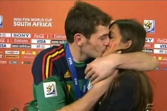 Fericit, Iker Casillas si-a sarutat iubita reporter in direct, la interviu