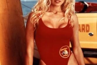 Top cele mai sexy costume de baie purtate de vedete in filme! FOTO