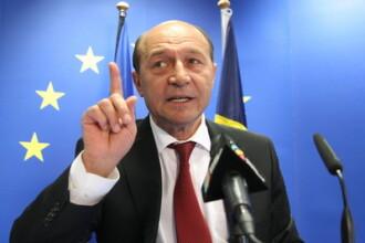 Presedintele Basescu stie cum sa rezolve problema rromilor din Franta