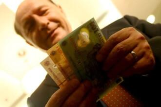 Traian Basescu indeamna bancile sa nu mai fie asa restrictive la credite
