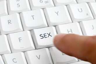 Pornografia, la fel de periculoasa ca heroina. 1 mil. de britanici inscrisi la tratament, in 24 ore