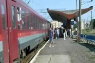 Surpriza neplacuta pentru turistii care au luat trenul, ca sa ajunga in 2 ore si jumate la Constanta