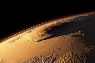 FOTO. Obiecte inexplicabile filmate de robotul Curiosity pe Marte.