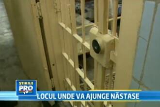 Incursiune in viata de detinut a lui Adrian Nastase. Ce mananca, unde doarme, ce citeste. VIDEO