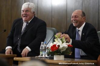 Din cauza suspendarii presedintelui, fostul sef al CJ Iasi Constantin Simirad a demisionat din UNPR