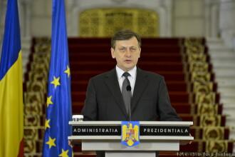 Crin Antonescu: Legile Romaniei se fac in Romania. Presedintele nu primeste ordine de la nimeni
