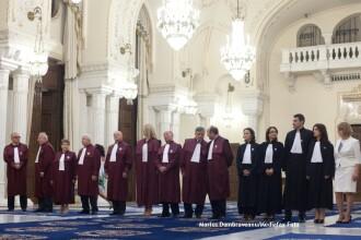 CCR a admis cererea lui Traian Basescu. Validarea sau invalidarea referendumului: pe 21 august