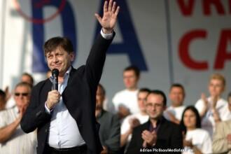 Antonescu: Basescu si oamenii sai ameninta cu Europa, pentru ca nu mai au credibilitate