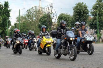 """Doua zile de muzica rock si motoare incinse la Pecica. Festivalul """"Motorock"""" isi deschide portile"""
