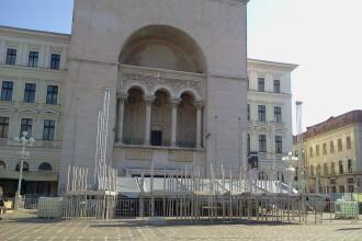 Mai sunt cateva zile pana la deschiderea festivalului JAZZ TM! In Piata Operei se pregateste scena