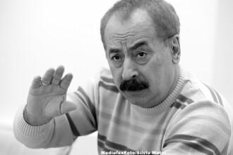 Trupul lui Radu Vasile a fost depus la Senat. Fostul premier, decorat post-mortem de Traian Basescu