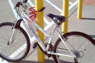I-a furat bicicleta, iar apoi i-a returnat-o.