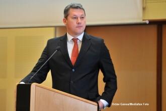 Catalin Predoiu: Ponta si Antonescu se comporta ca doi chirurgi beti care se bat in sala de operatie