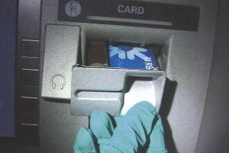 Ce au reusit sa ascunda 3 romani intr-un bancomat din Marea Britanie. Au fost arestati imediat