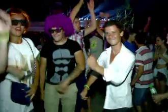 Petreceri nebune pe litoral. 60.000 de tineri au dansat pe ritmuri electronice la Liberty Parade