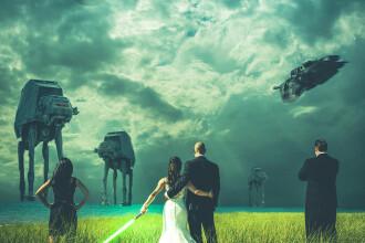Mireasa a avut o sabie in mana: cum s-au pozat doi tineri, fani Star Wars, in ziua nuntii