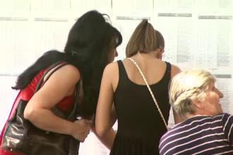 Timis: doi candidati, dati afara din examenul de titularizare pentru ca aveau la ei telefoane mobile