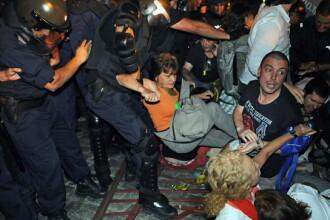 Politisti raniti, ministri blocati in cladire si parlament in criza. Bilantul protestelor din Sofia