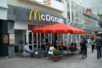 Cursurile Universitatii Humburger, obligatorii pentru un manager McDonald's. Cat castiga un angajat