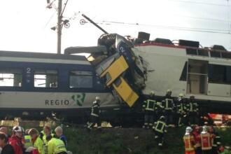 Doua trenuri s-au ciocnit frontal in Elvetia. Un mecanic a murit, iar 35 de pasageri sunt raniti