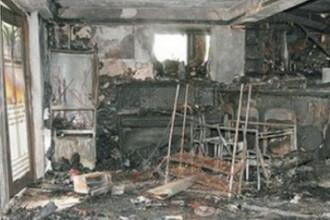 Incendiul violent provocat de un smartphone. Cum arata acum locuinta proprietarului