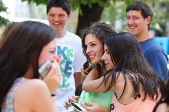 REZULTATE EVALUARE NATIONALA 2014. Patru elevi din Capitala au media 10 la admiterea in liceu. Care este cea mai mica nota