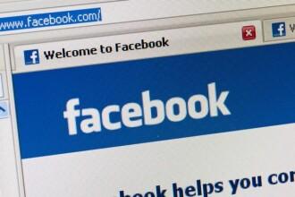 Pozele pentru care profilul de Facebook al unei profesoare de desen din Marea Britanie a fost blocat.
