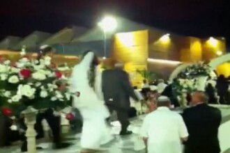 Doi tineri din Israel, nevoiti sa fuga de la propria nunta, din cauza rachetelor Hamas ce explodau deasupra lor. VIDEO