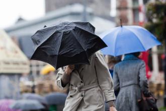 Romanii au parte de ploi si vant in loc de canicula, in luna iulie. Cate grade se vor inregistra zilele urmatoare