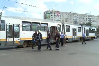 Barbat mort dupa ce a cazut sub un tramvai, in Bucuresti. Martorii spun ca era beat