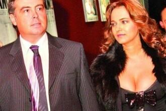 Adrian Cioroianu s-a despartit de iubita sa, Alexandra Coman. Fostul ministru de Externe si soprana aveau o relatie de 10 ani