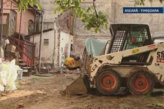 Trei muncitori din Timisoara au ajuns la spital dupa ce un zid a cazut peste ei. Una dintre victime este in stare grava
