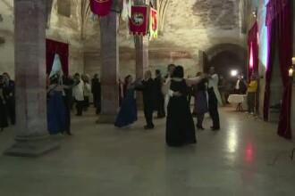 Castelul Corvinilor din Hunedoara a prins viata, vineri seara. Cum s-a desfasurat cel mai mare festival de opera in aer liber