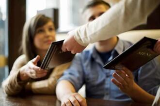 Recomandarea ministrului Finantelor pentru restaurante: Cand se aduce mancarea, sa puna alaturi si bonul fiscal