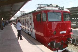 Trenurile cu locomotive colorate, modul prin care CFR vrea sa atraga calatori. Cat face un astfel de tren pana la mare