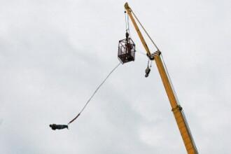 O femeie a murit intr-un accident la bungee jumping, in Franta. Primele ipoteze ale anchetatorilor