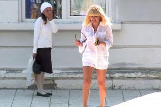 Elena Udrea isi petrece vacanta la Mamaia si il regreta pe primarul Radu Mazare: